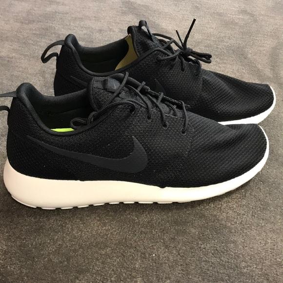 premium selection e8ffa c1033 Men's Nike Roshe one Sneakers